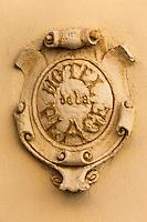 France, Pyrénées-Atlantiques (64), Pays-Basque, Saint-Jean-de-Luz: détail enseigne de l'Hôtel de la Plage  // France, Pyrenees Atlantiques, Basque Country, Saint Jean de Luz, teach hotel de la plage