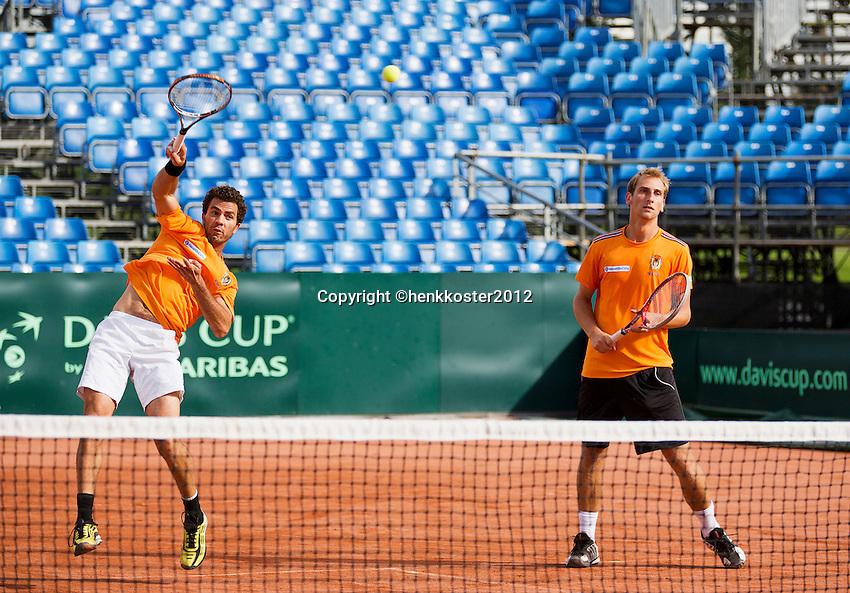 12-09-12, Netherlands, Amsterdam, Tennis, Daviscup Netherlands-Swiss, Training Netherlands, Jean-Julien Rojer (fL)and Thiemo de Bakker in the doubles