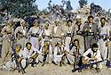 Irak 1985 Dans les zones libérées, région de Lolan, les peshmergas de la section d'Erbil Iraq 1985.In liberated areas, Lolan district, peshmergas of Erbil branch