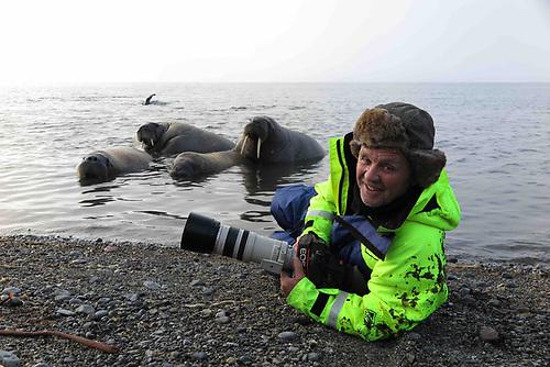 Doug Allan with walrus