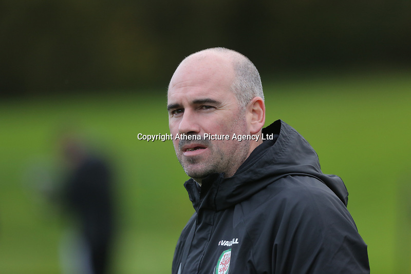 team psychologist Dr Ian Mitchell during the Wales Training Session at The Vale Resort, Wales, UK. 06 November 2017