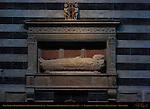 Wall Tomb of Bishop Tommaso Piccolomini del Testa, Neroccio di Bartolomeo de' Landi 1483, Right Aisle, Cathedral of Siena, Santa Maria Assunta, Siena, Italy