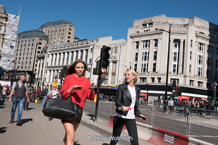 Shoppers and tourists, Charing ross Road, London.