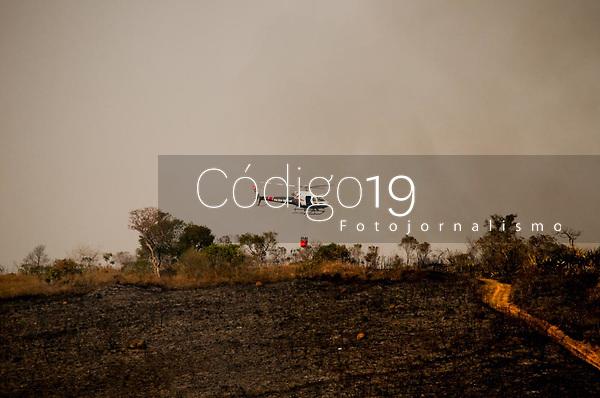 SÃO PAULO, SP, 23.08.2021: Incêndio Parque Estadual Juquery SP -Vista do Parque Estadual do Juquery na manhã desta segunda - feira (23). No destaque Helicoptéro Águia no combatem incêndio no Parque Estadual Juquery na cidade de Franco da Rocha SP.