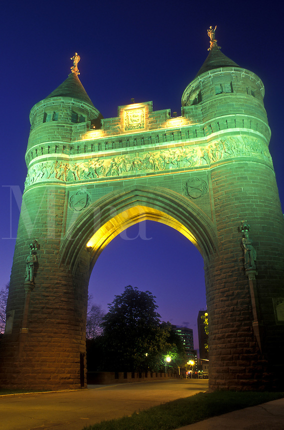 AJ1301, Hartford, Soldiers & Sailors Memorial Arch, Connecticut, The Soldiers & Sailors Memorial Arch illuminated at night in Hartford the capital city of Connecticut.