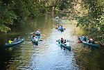 Germany, Baden-Wuerttemberg, Tauber Valley, Bad Mergentheim: canoeing on river Tauber | Deutschland, Baden-Wuerttemberg, Taubertal, Bad Mergentheim: Kanuten auf der Tauber