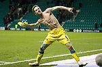 Hibs v St Johnstone…18.11.17…  Easter Road…  SPFL<br />Steven MacLean celebrates at full time<br />Picture by Graeme Hart. <br />Copyright Perthshire Picture Agency<br />Tel: 01738 623350  Mobile: 07990 594431