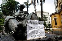 ATENCAO EDITOR FOTO EMBARGADA PARA VEICULO INTERNACIONAL - SAO PAULO, SP, 20/11/2012, DIA DA CONCIENCIA NEGRA- IGREJA FECHADA- Igreja de Nossa Senhora do Rosário dos Homens Pretos, Largo do Paissandu, s/n, centro de Sao Paulo. Na foto Monumento Mãe Preta – O símbolo exalta a figura da babá negra, que criou os filhos dos senhores de engenho, nos tempos coloniais. O monumento de Júlio Guerra, inaugurado no aniversário de São Paulo em 1955, é uma homenagem à raça negra radicada no Brasil. FOTO VAGNER CAMPOS/ BRAZIL PHOTO PRESS