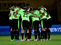 BOGOTA - COLOMBIA - 23 - 01 - 2018: Los jugadores de Deportivo Cali, durante partido entre America de Cali y Deportivo Cali, por el Torneo Fox Sports 2018, jugado en el estadio Nemesio Camacho El Campin de la ciudad de Bogota. / The players of Deportivo Cali, during a match between America de Cali y Deportivo Cali, for the Fox Sports Tournament 2018, played at the Nemesio Camacho El Campin stadium in the city of Bogota. Photo: VizzorImage / Luis Ramirez / Staff.