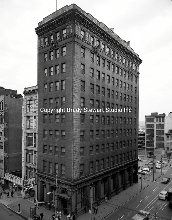 Pittsburgh PA:  View of the Victory Building on Liberty Avenue and 9th Street from a building across Liberty Avenue.