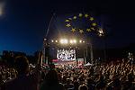 Supporters with an european flag during the closing of the electoral campaign of Unidos Podemos. 24,06,2016. (ALTERPHOTOS/Rodrigo Jimenez)
