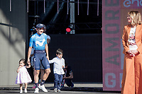Richard Carapaz (ECU/Movistar) wins the 102nd Giro d'Italia & brings his kids to the final podium cermony<br /> <br /> Stage 21 (ITT): Verona to Verona (17km)<br /> 102nd Giro d'Italia 2019<br /> <br /> ©kramon