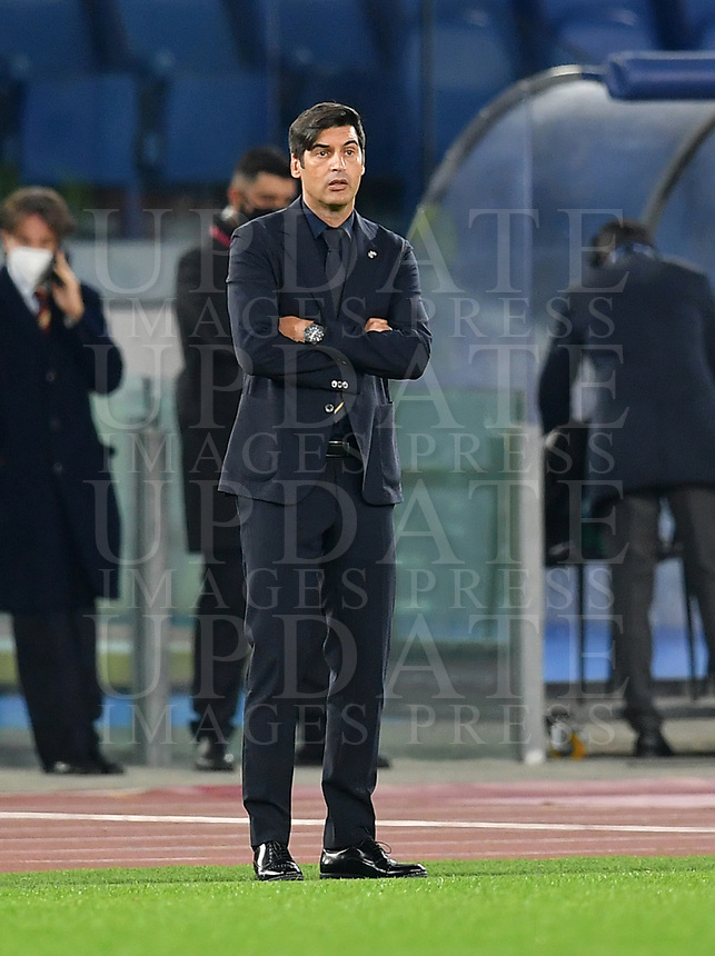 Football, Serie A: AS Roma - Fiorentina, Olympic stadium, Rome, November 1, 2020. <br /> Roma's coach Paulo Fonseca looks on during the Italian Serie A football match between Roma and Fiorentina at Olympic stadium in Rome, on November 1, 2020. <br /> UPDATE IMAGES PRESS/Isabella Bonotto