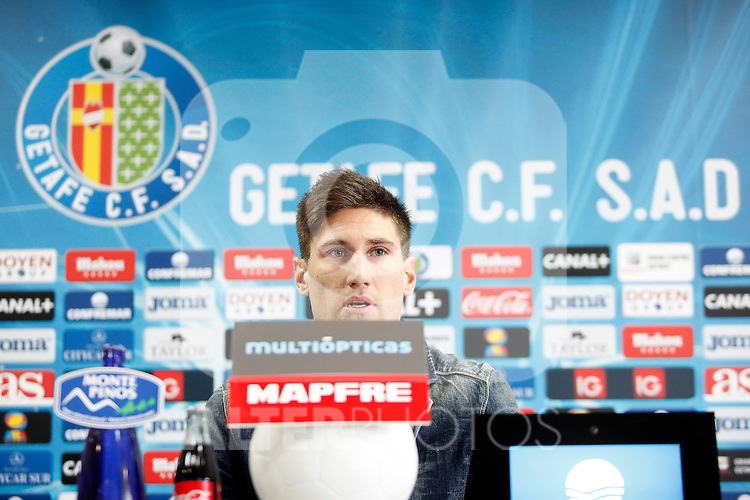 Getafe's new player Fede Fernandez during his official presentation. January 31, 2013. (ALTERPHOTOS/Acero)