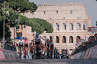 Maglia Rosa / overall leader Chris Froome (GBR/SKY) escorted by his teammates in front of the majestic Colosseum<br /> <br /> stage 21: Roma - Roma (115km)<br /> 101th Giro d'Italia 2018