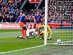 Nederland, Amsterdam, 7 februari 2016<br /> Eredivisie<br /> Seizoen 2015-2016<br /> De Klassieker <br /> Ajax-Feyenoord<br /> Amin Younes van Ajax ziet zijn schot achter Kenneth Vermeer in het doel verdwijnen.