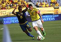 BARRANQUILLA  -COLOMBIA , 28,MARZO-2016. James Rodriguez jugador de Colombia   disputa el balon con Pedro Quinonez de Ecuador    por la fecha 6 de las eliminatorias para el mundial de Rusia 2018 jugado en el estadio Metropolitano Roberto Meléndez./ James Rodriguez of Colombia fights for the ball with Pedro Quinonez of Ecuador  during   a match between Colombia and Ecuador as part of FIFA 2018 World Cup Qualifier six date at Metropolitano Roberto Melendez Stadium on March  28, 2015 in Barranquilla, Colombia. Photo: VizzorImage / Felipe Caicedo / Staff