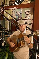 Cuba, Habana, Musiker  in der Taberna de la Muralla