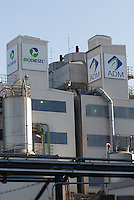 "Europa Deutschland DEU , Werk ADM International, Konzern Archer Daniels Midland , im Hamburger Hafen , Oelmuehle und Biodiesel Werk , Verarbeitung von Sojabohnen und Rapssaat zu Biokraftstoffen . -  Energie Industrie xagndaz | .Europe Germany GER Hamburg oilmill and biodiesel plant ADM, Archer Daniels Midland , production of bio fuels.  -  energy fuel .| [ copyright (c) Joerg Boethling / agenda , Veroeffentlichung nur gegen Honorar und Belegexemplar an / publication only with royalties and copy to:  agenda PG   Rothestr. 66   Germany D-22765 Hamburg   ph. ++49 40 391 907 14   e-mail: boethling@agenda-fototext.de   www.agenda-fototext.de   Bank: Hamburger Sparkasse  BLZ 200 505 50  Kto. 1281 120 178   IBAN: DE96 2005 0550 1281 1201 78   BIC: ""HASPDEHH"" ,  WEITERE MOTIVE ZU DIESEM THEMA SIND VORHANDEN!! MORE PICTURES ON THIS SUBJECT AVAILABLE!! ] [#0,26,121#]"