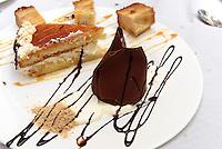 Dessert-Platte mit verschiedenen Kuchen,  Provinz Murcia, Spanien, Europa