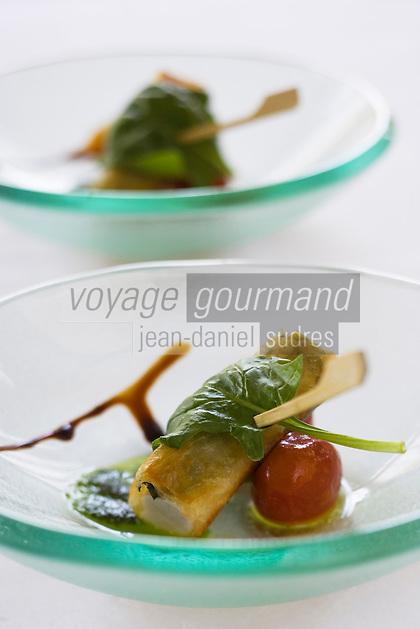 Europe/France/Bretagne/Ille et Vilaine/ Saint-Malo/ Saint-Servan-sur-mer: Langoustines Parmesan Basilic recette de  Luc Mobihan restaurant le Saint-Placide