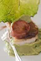 Europe/France/Rhône-Alpes/01/Ain/ Divonne-les-Bains:Sandre rôti à la saucisse de Morteau recette d'Eric Manent - Château de Divonne