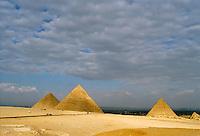 - pyramids of Giza....- piramidi di Giza