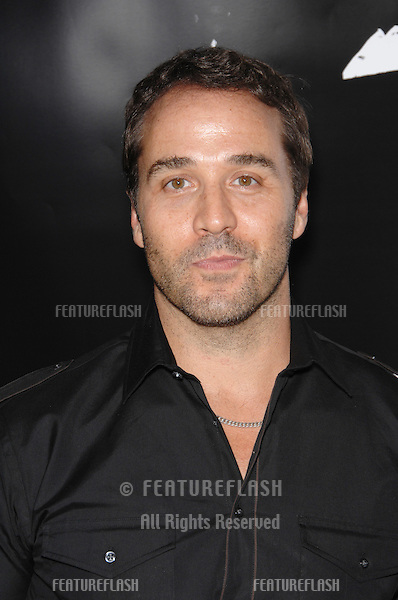"""""""Entourage"""" star Jeremy Piven at an industry screening for """"American Gangster"""" at the Arclight Theatre, Hollywood..October 30, 2007  Los Angeles, CA.Picture: Paul Smith / Featureflash"""
