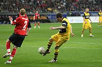 Alexander Frei (BvB) gegen Patrick Ochs (Eintracht)<br /> Eintracht Frankfurt vs. Borussia Dortmund, Commerzbank Arena<br /> *** Local Caption *** Foto ist honorarpflichtig! zzgl. gesetzl. MwSt. Auf Anfrage in hoeherer Qualitaet/Aufloesung. Belegexemplar an: Marc Schueler, Am Ziegelfalltor 4, 64625 Bensheim, Tel. +49 (0) 6251 86 96 134, www.gameday-mediaservices.de. Email: marc.schueler@gameday-mediaservices.de, Bankverbindung: Volksbank Bergstrasse, Kto.: 151297, BLZ: 50960101