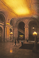 New York: New York Public Library--entrance. Photo '91.