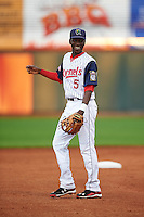 Cedar Rapids Kernels shortstop Nick Gordon (5) during a game against the Kane County Cougars on August 18, 2015 at Perfect Game Field in Cedar Rapids, Iowa.  Kane County defeated Cedar Rapids 1-0.  (Mike Janes/Four Seam Images)