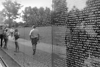 - Washington, visitors to the memorial of soldiers died in the Vietnam war<br /> <br /> - Washington, visitatori al memoriale dei soldati caduti nella guerra del Vietnam