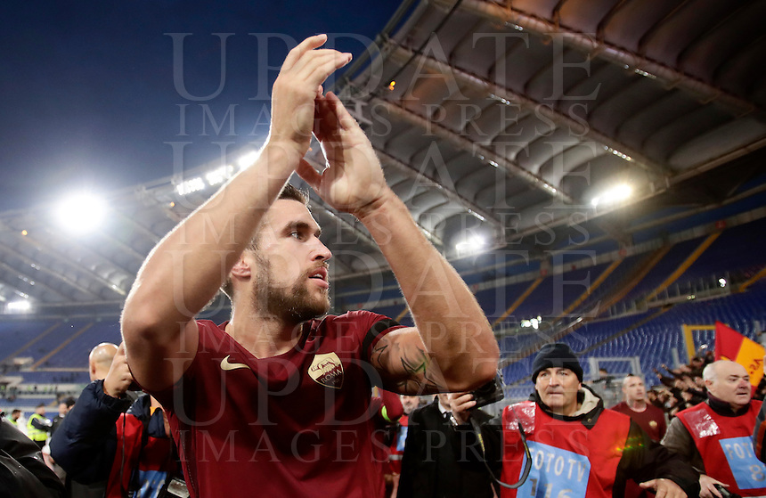 Calcio, Serie A: Lazio vs Roma. Roma, stadio Olimpico, 4 dicembre 2016.<br /> Roma's Kevin Strootman greets fans at the end of the Italian Serie A football match between Lazio and Rome at Rome's Olympic stadium, 4 December 2016. Roma won 2-0.<br /> UPDATE IMAGES PRESS/Isabella Bonotto