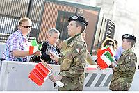 Roma, 2 Giugno 2015<br /> Festa della Repubblica, 69° anniversario.<br /> Giovani militari distribuiscono bandierine