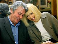 Prod DB © At Productions - ZDF Enterprises / DR<br /> FRANK RIVA sÈrie TV crÈÈe par Philippe Setbon 2003-2004 FRA.<br /> avec Alain Delon et Mireille Darc