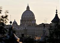 Roma 22/8/2004 <br /> Vista di San Pietro dal Pincio. Foto Andrea Staccioli Insidefoto