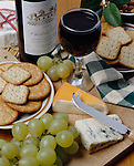 France: French Wine and Cheese | Frankreich: franzoesicher Wein und Kaese