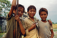 Kinder bei Vinh Long im Mekongdelta, Vietnam