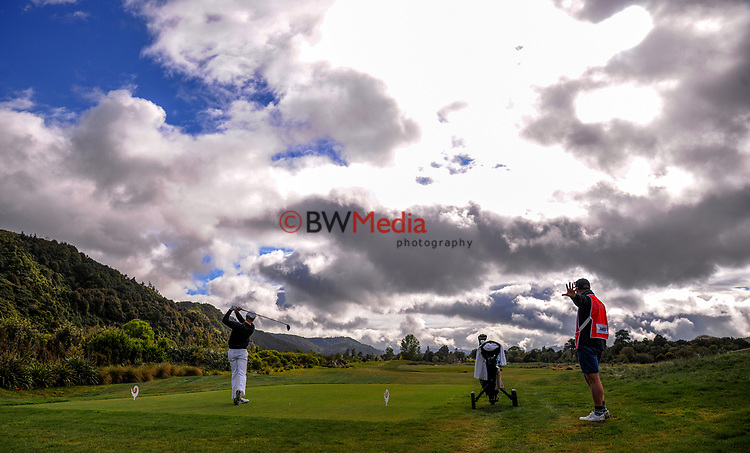 James Anstiss tees off at the 4th on day one of the 2017 Asia-Pacific Amateur Championship day one at Royal Wellington Golf Club in Wellington, New Zealand on Thursday, 26 October 2017. Photo: Dave Lintott / lintottphoto.co.nz