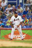 Binghamton Mets first baseman Dominic Smith (22) holds a runner on during a game against the Trenton Thunder on May 29, 2016 at NYSEG Stadium in Binghamton, New York.  Trenton defeated Binghamton 2-0.  (Mike Janes/Four Seam Images)