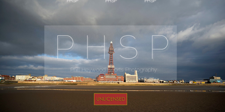 28/02/2011 Central Beach /BlackpoolTower  and seafront Blackpool Lancashire UK......© Phill Heywood.