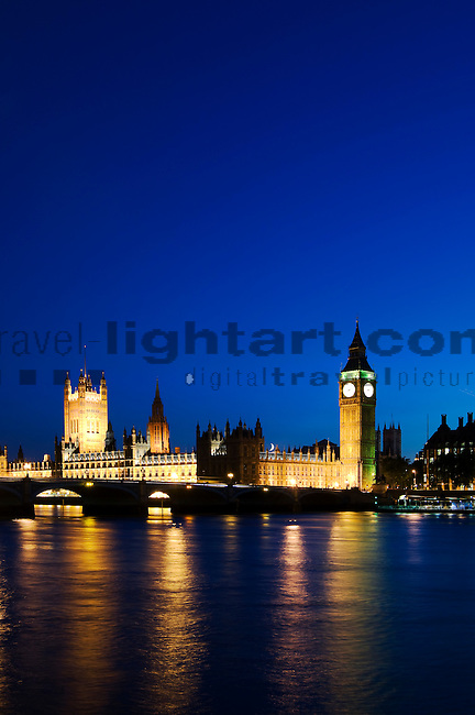 The Houses of Parliament and Big Ben at dusk, night, London, England, United Kingdom, Great Britain.