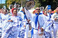 BARRANQUILLA - COLOMBIA, 22-02-2020: Una comparsa realiza su presentación durante el desfile Batalla de Flores del Carnaval de Barranquilla 2019, patrimonio inmaterial de la humanidad, que se lleva a cabo entre el 22 y el 25 de febrero de 2020 en la ciudad de Barranquilla. / A troupe makes its performance during the Batalla de las Flores as part of the Barranquilla Carnival 2020, intangible heritage of mankind, that be held between March 22 to 25, 2020, at Barranquilla city. Photo: VizzorImage / Alfonso Cervantes / Cont.