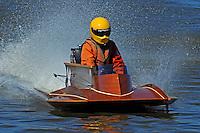 Boat X   (outboard hydroplane)