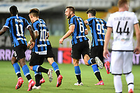 Stefan de Vrij of FC Internazionale celebrates with team mates after scoring the goal of 1-1 during the Serie A football match between Parma and FC Internazionale at stadio Ennio Tardini in Parma ( Italy ), June 28th, 2020. Play resumes behind closed doors following the outbreak of the coronavirus disease. <br /> Photo Andrea Staccioli / Insidefoto