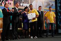 ATENÇAO EDITOR: FOTO EMBARGADA PARA VEÍCULOS INTERNACIONAIS. SAO PAULO, 11 DE SETEMBRO DE 2012.  GOVERNADOR ALCKMIN RECEBE ATLETAS PARAOLIMPICOS. O atleta Antonio Tenorio da Silva durante a  entrega para  os atletas paraolimpicos da medalha do Mérito Esportivo na manha desta terça feira no Palacio dos Bandeirantes, na zona sul da capital paulista. FOTO ADRIANA SPACA - BRAZIL PHOTO PRESS