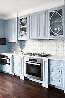 Modern classic kitchen wth blue cabinets