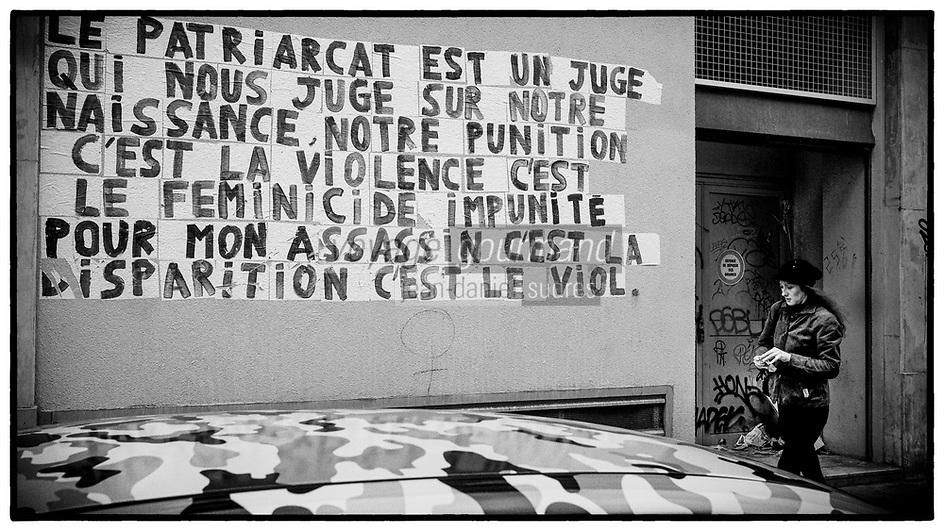 Europe/Ile de France/ 75011/Paris :  Graffiti  contre féminicide Rue de Malte  // Europe / Ile de France / 75011 / Paris: Graffiti against feminicide Rue de Malte