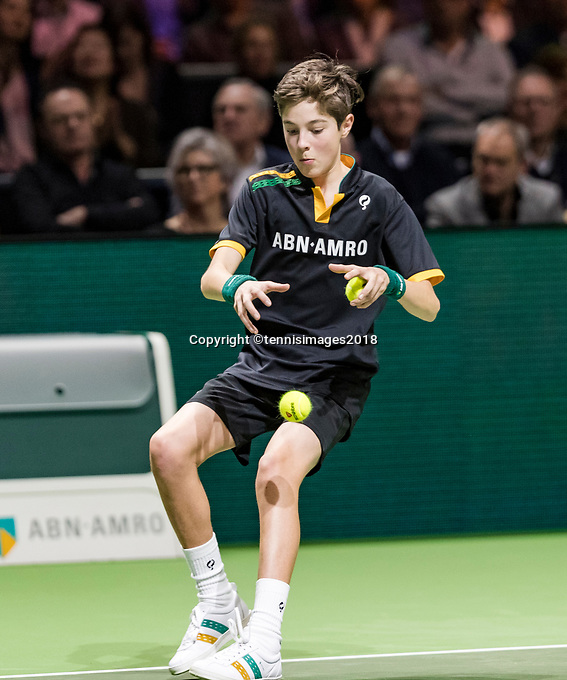 ABNAMRO World Tennis Tournament, 15 Februari, 2018, Rotterdam, The Netherlands, Ahoy, Tennis, Ballboy<br /> <br /> Photo: www.tennisimages.com