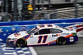 #11: Denny Hamlin, Joe Gibbs Racing, Toyota Camry FedEx Office